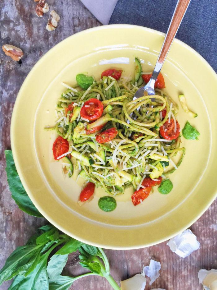 spaghetti with kale pesto