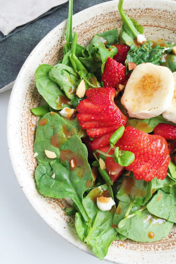 goat cheese and strawberry spinach salad