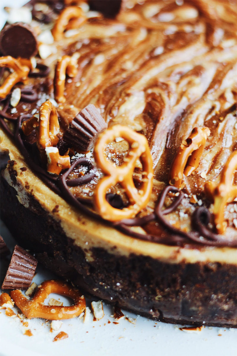 pretzel peanut butter chocolate cheesecake