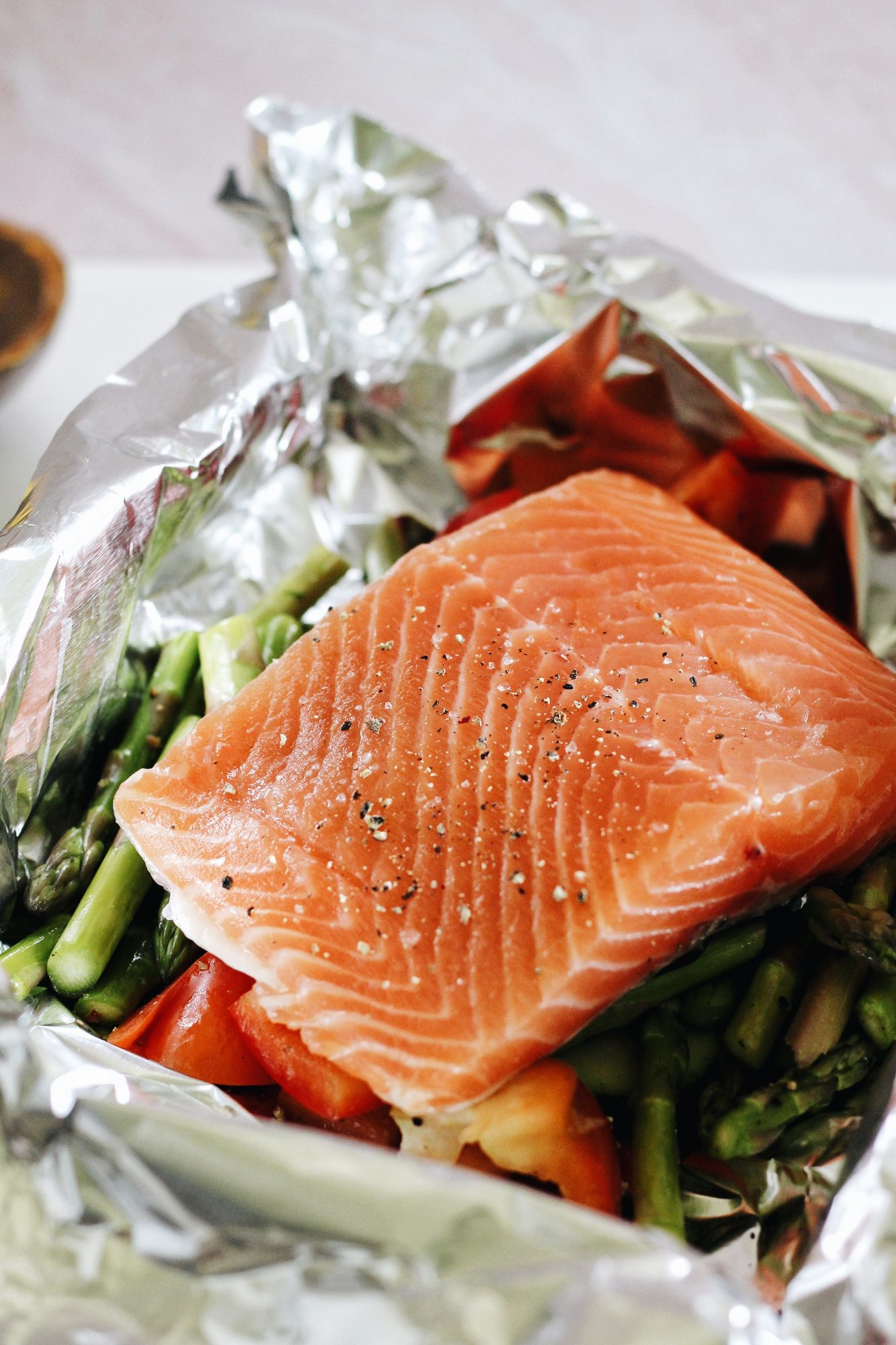 Grilled salmon in foil packets take just 15 minutes to make