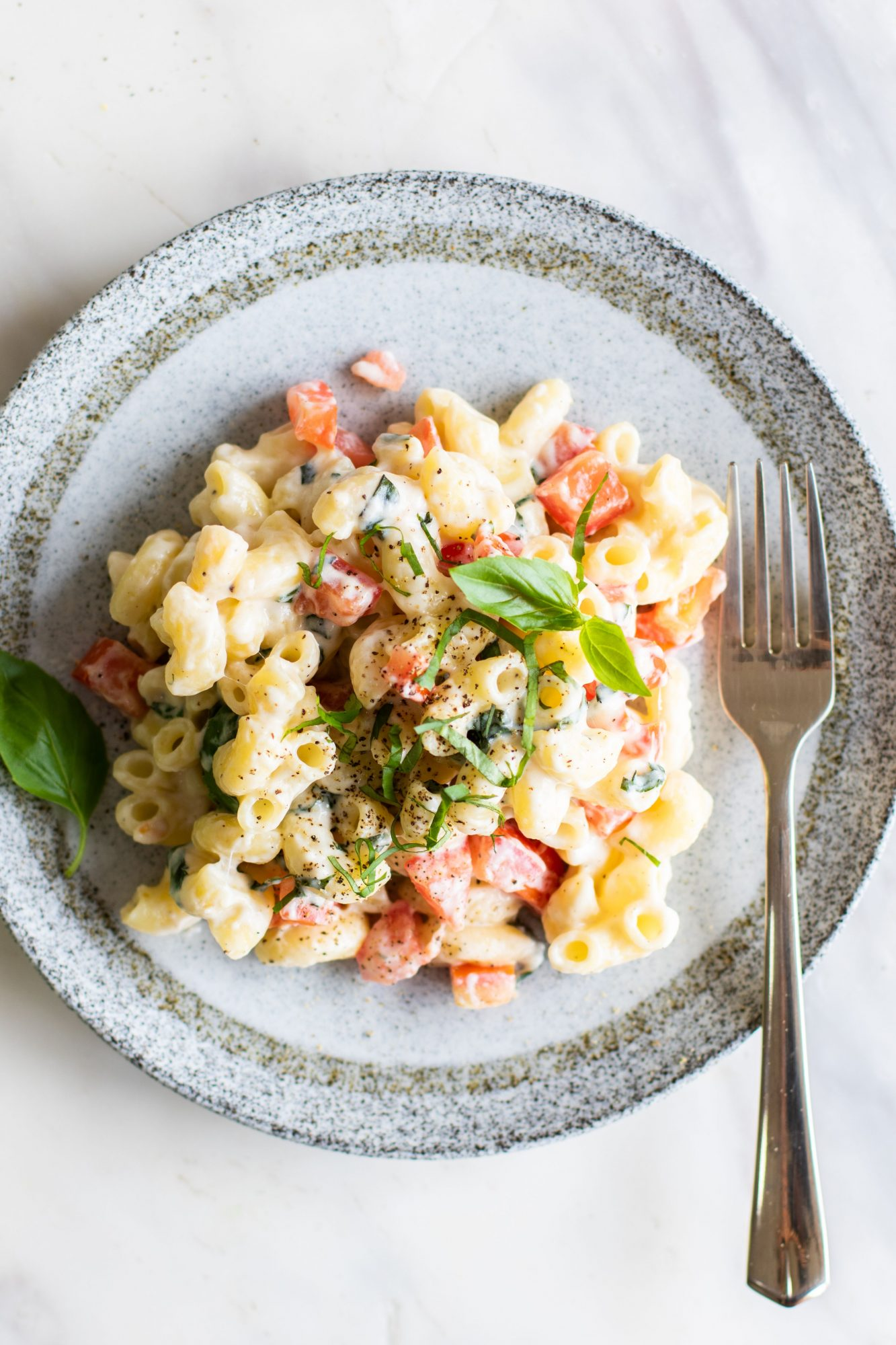 How to make one pot Caprese Mac and Cheese