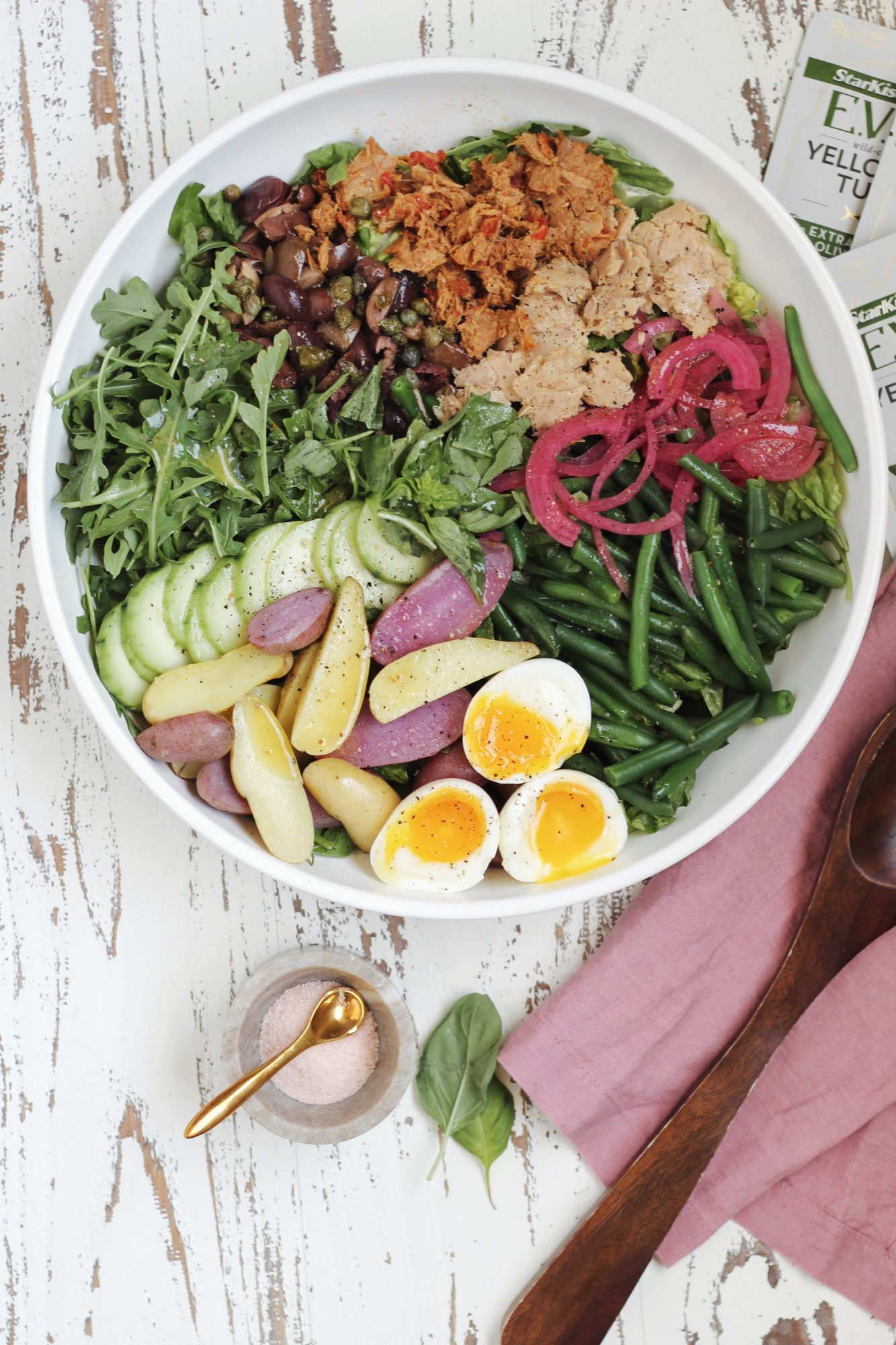 A colorful and healthy easy Nicoise Salad full of flavor