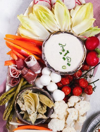 Make a colorful and healthy vegetable tray with seasonal produce
