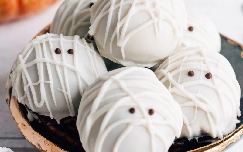 Halloween Mummy Pumpkin Truffles